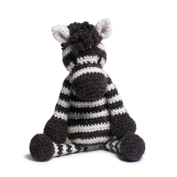 """Toft Häkel-Kit: """"Alice, das Zebra"""""""